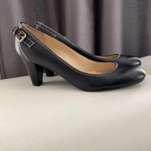 Lauren Ralph leather black pumps shoes.Size 8,5M.